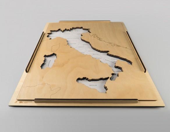 INCASTRO DELL'ITALIA CON FONDO TRASPARENTE